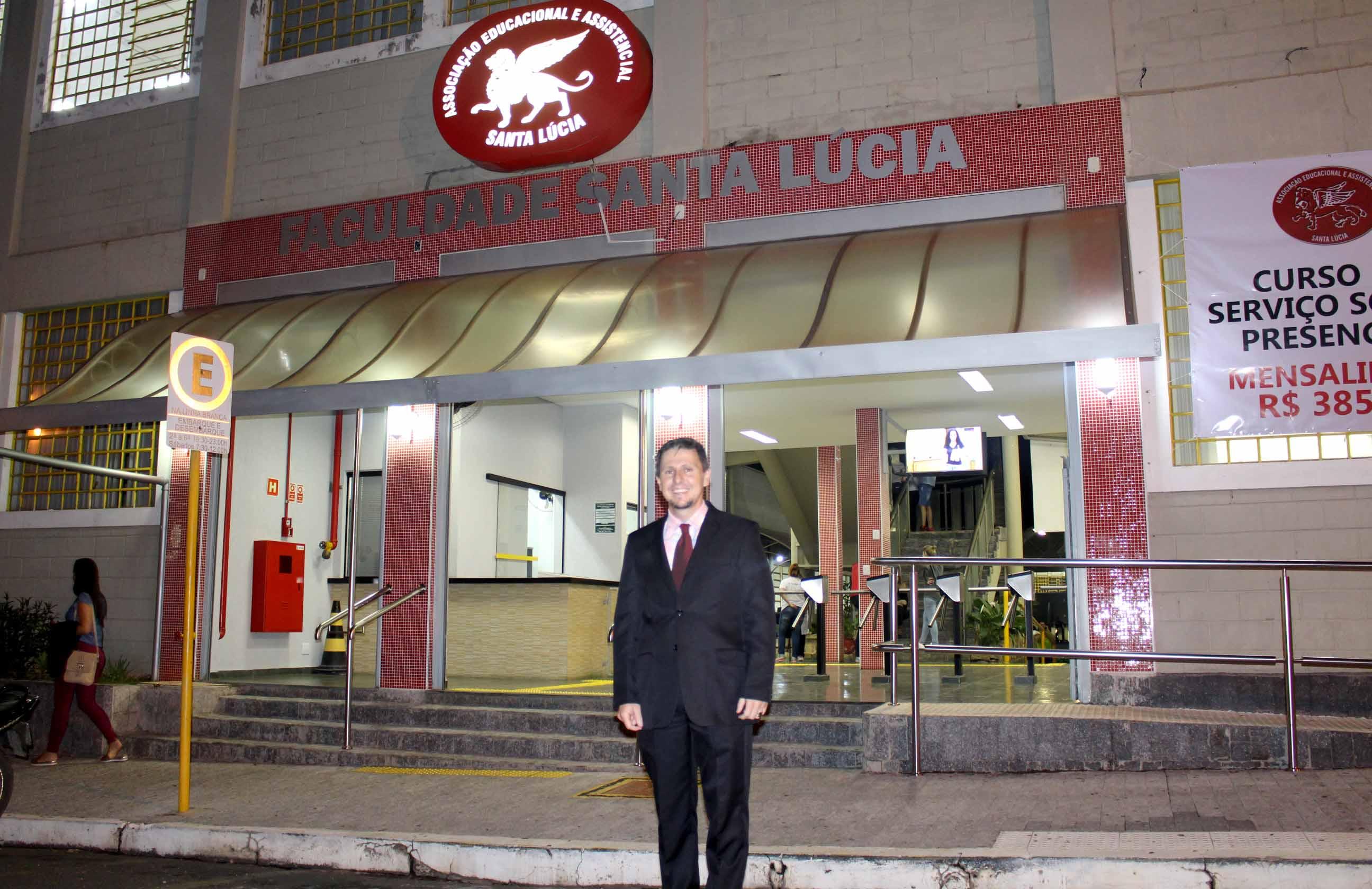 Mais um aluno do quinto ano do Curso de Direito da Faculdade Santa Lúcia é aprovado no exame da OAB