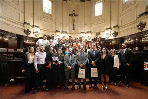 Palácio da Justiça recebe alunos da Faculdade Santa Lúcia para júri simulado